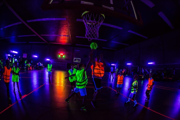 Jeugdclinic & Glow in the dark toernooi
